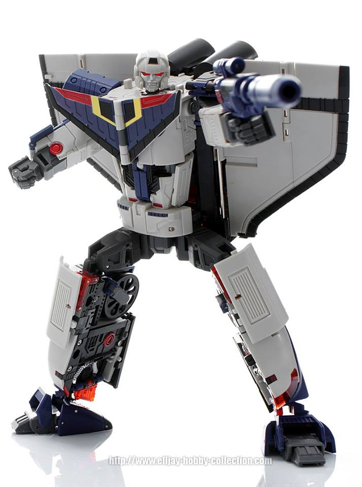 ToyWorld's Devilstar (Masterpiece Styled Astrotrain ...
