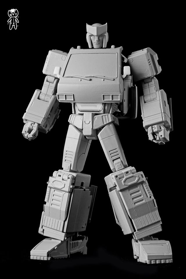 "Voodoo Robots Reveals ""Ratchet / Ironhide"" Prototype ..."