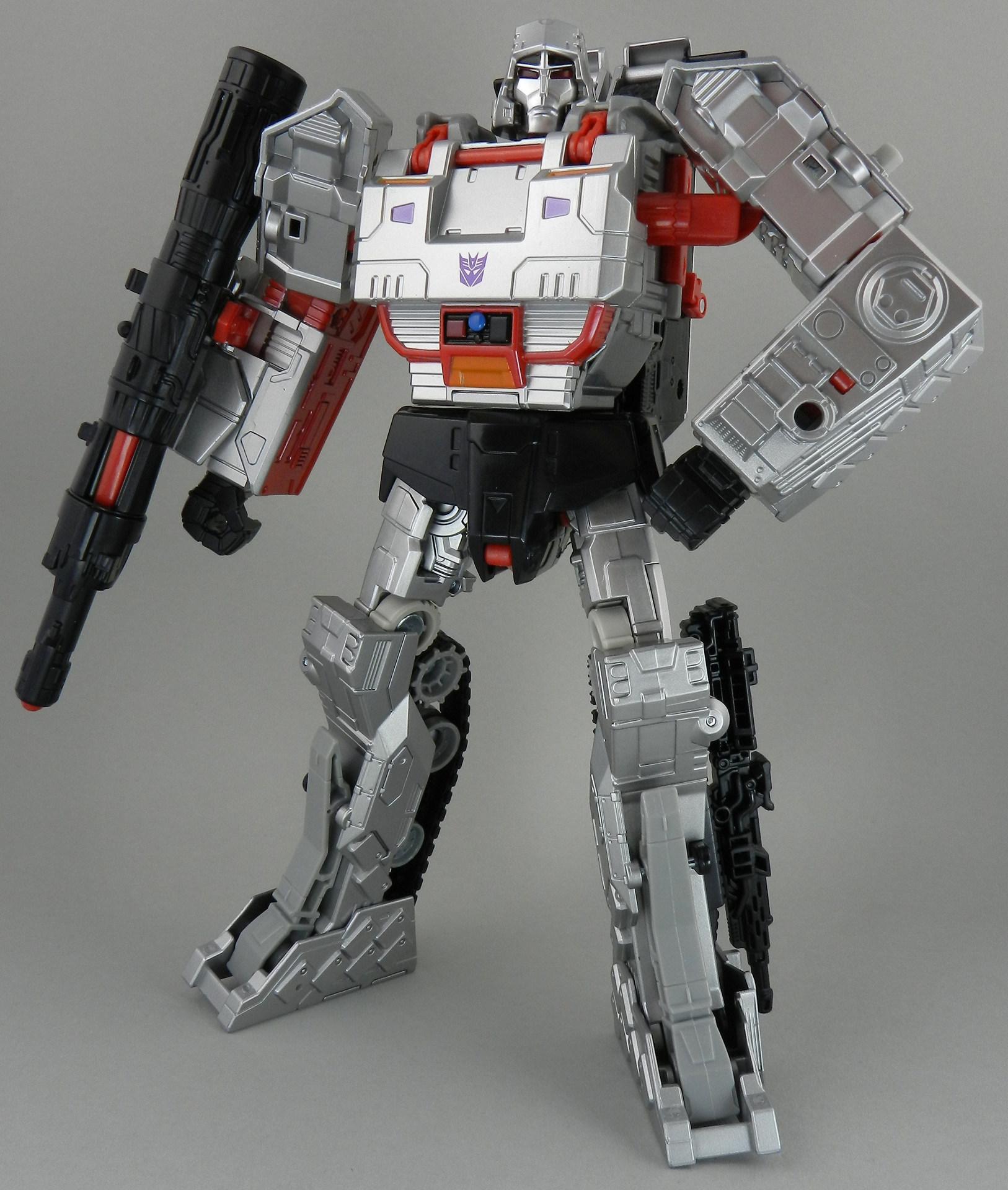 TFW's Combiner Wars Megatron In-Hand Gallery