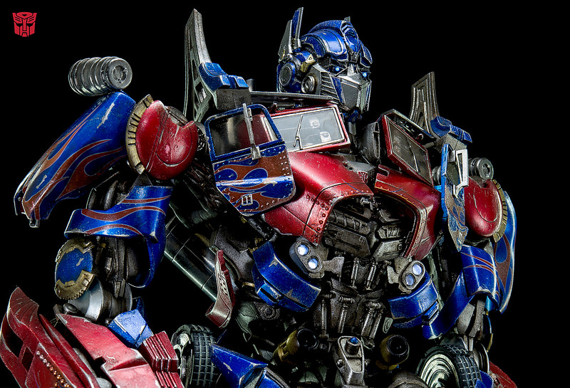 Figurines des Films Transformers ― Par 3A, Comicave Studios, etc 3A-Dark-of-the-Moon-Optimus-Prime-004