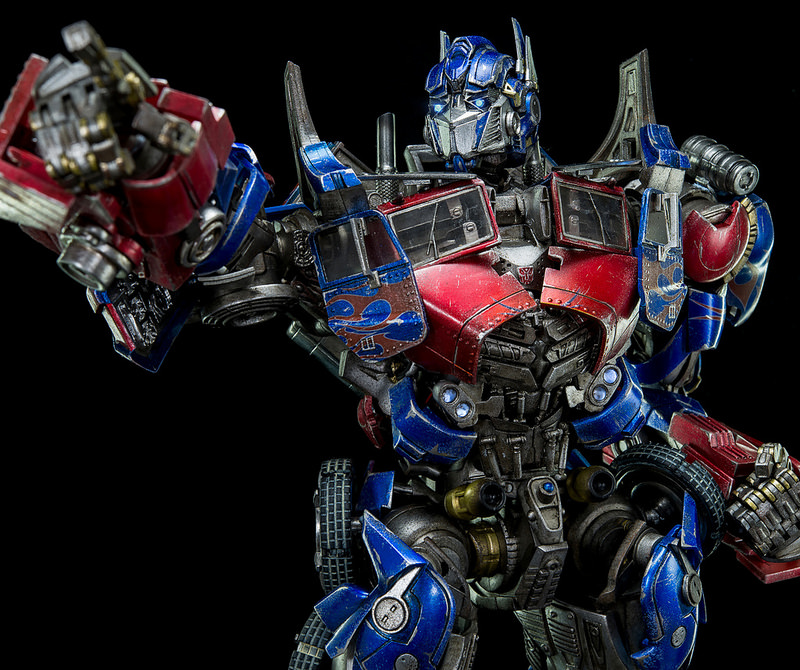 Figurines des Films Transformers ― Par 3A, Comicave Studios, etc 3A-Dark-of-the-Moon-Optimus-Prime-005