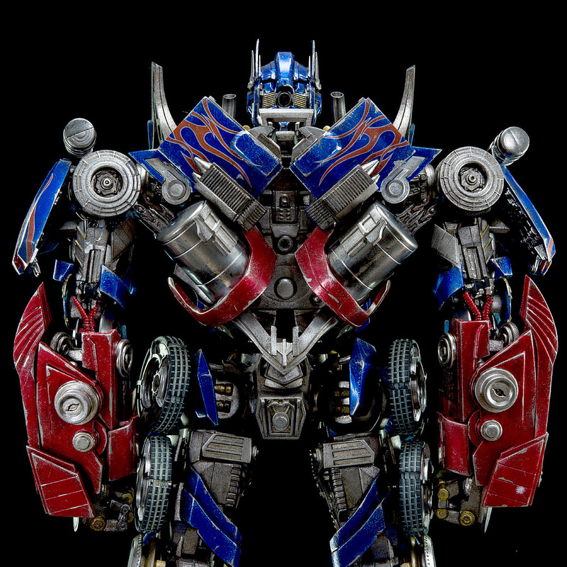 Figurines des Films Transformers ― Par 3A, Comicave Studios, etc 3A-Dark-of-the-Moon-Optimus-Prime-007