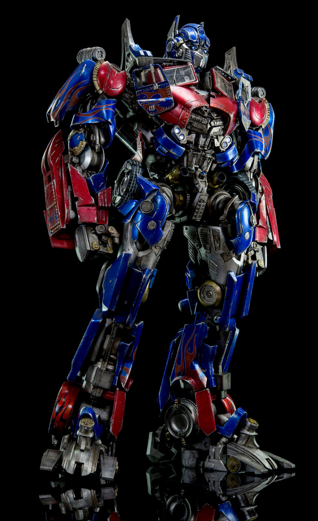 Figurines des Films Transformers ― Par 3A, Comicave Studios, etc 3A-Dark-of-the-Moon-Optimus-Prime-009