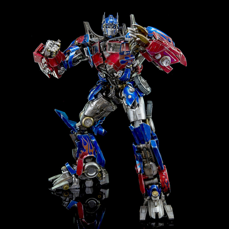 Figurines des Films Transformers ― Par 3A, Comicave Studios, etc 3A-Dark-of-the-Moon-Optimus-Prime-010