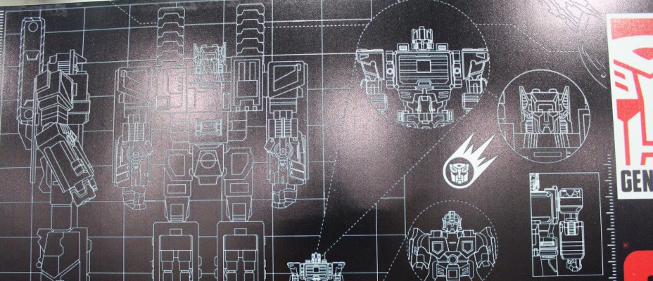 Hasbro discusses future Titan class figures, Combiner Wars, and more!