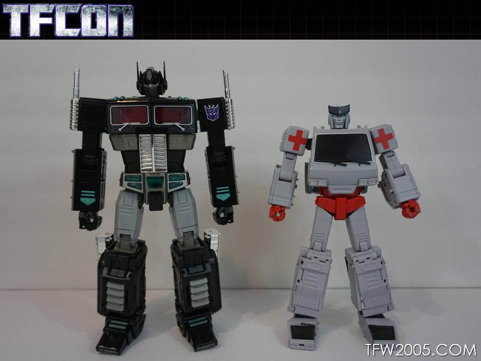 Voodoo Robots Salus (Ratchet) and Animus (Ironhide ...