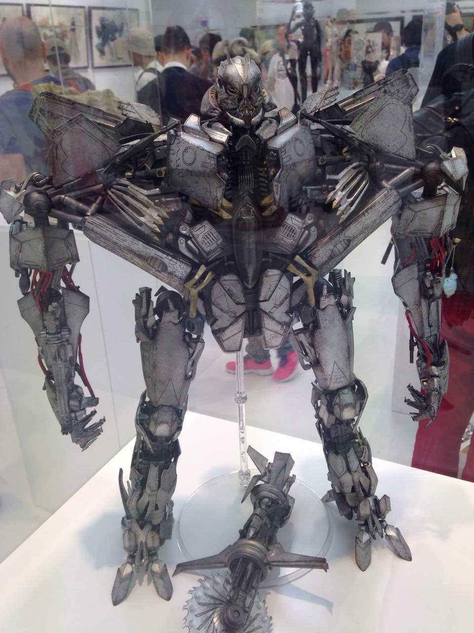 Figurines des Films Transformers ― Par 3A, Comicave Studios, etc 3A-Starscream-02