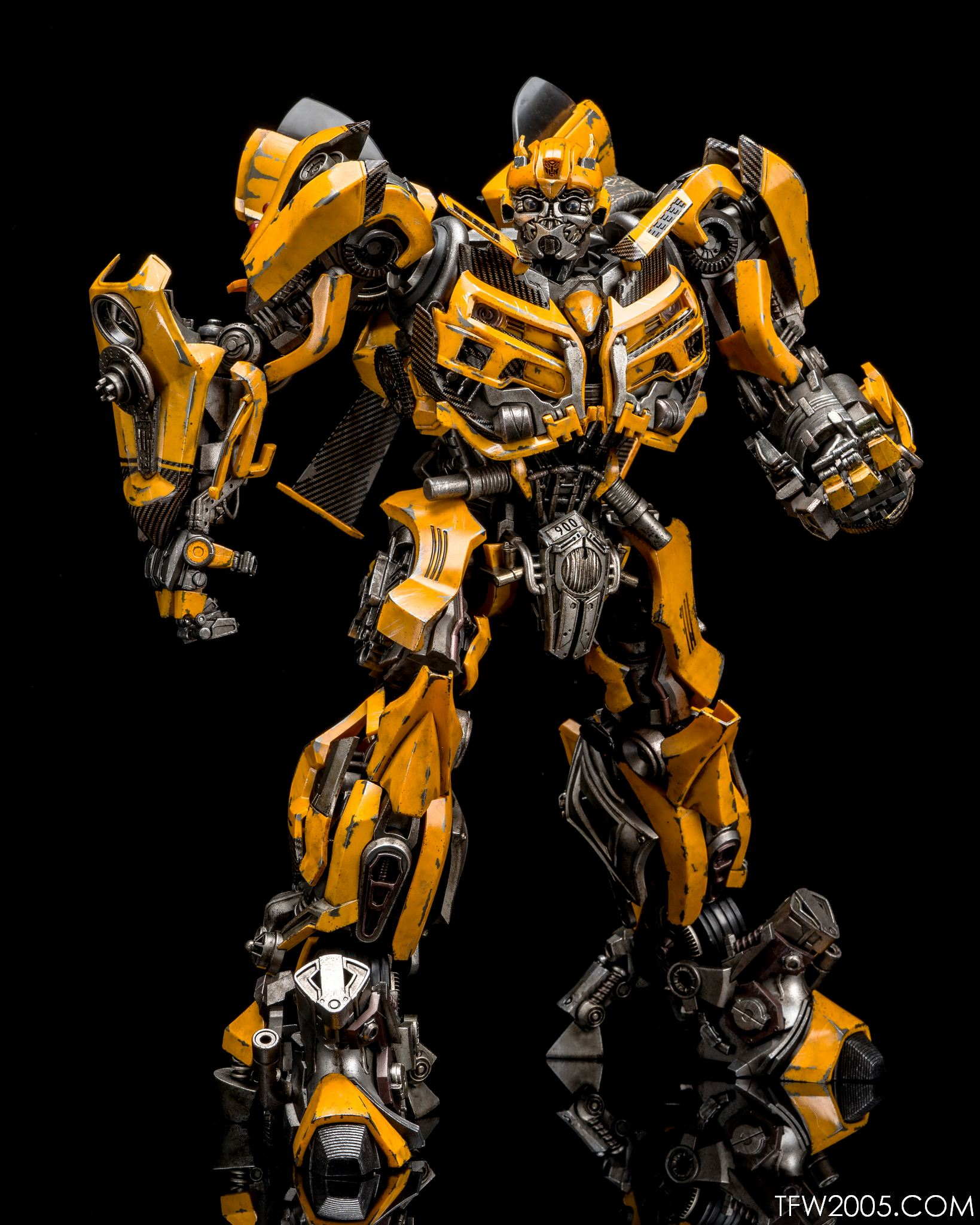 Review 3a threea transformers optimus prime dark of the moon dotm - 3a Bumblebee 017