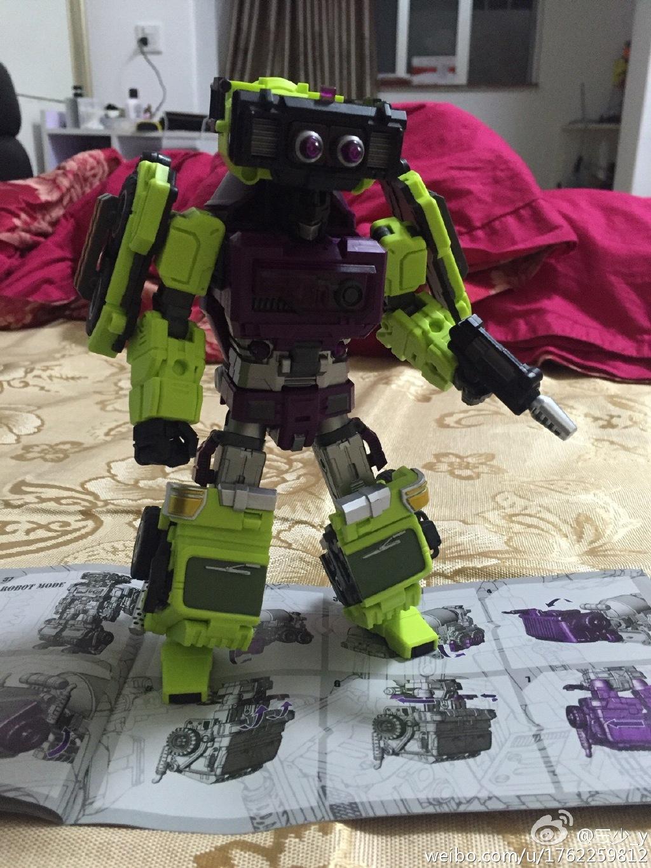 [Generation Toy] Produit Tiers - Jouet GT-01 Gravity Builder - aka Devastator/Dévastateur - Page 2 Generation-Toy-Mixer-Truck-06
