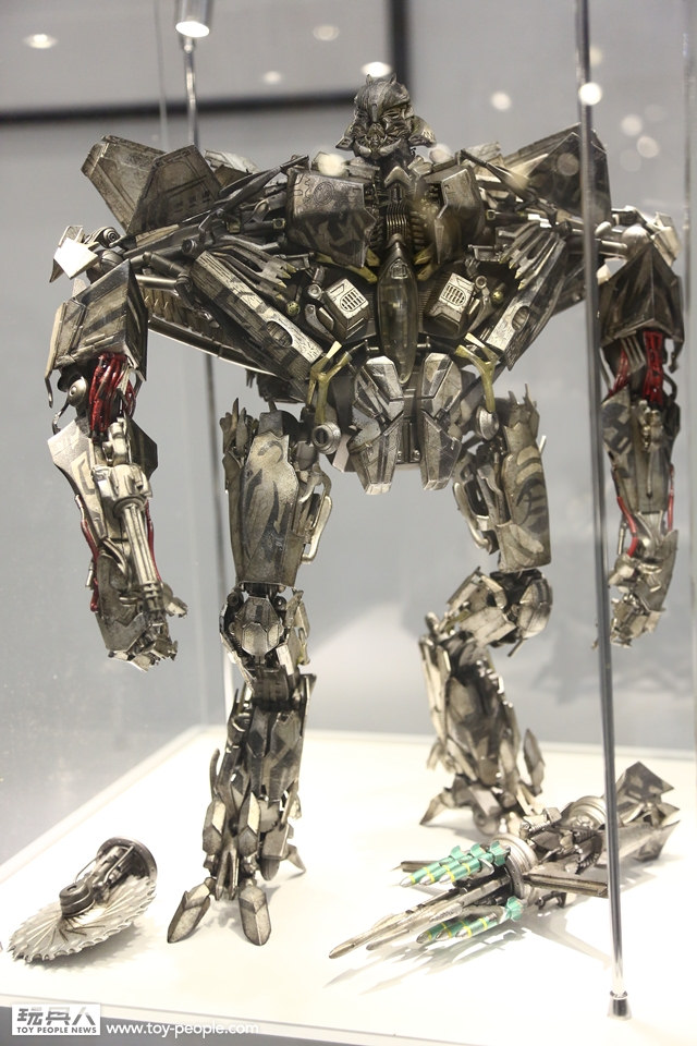 Figurines des Films Transformers ― Par 3A, Comicave Studios, etc 3A-Starscream-2