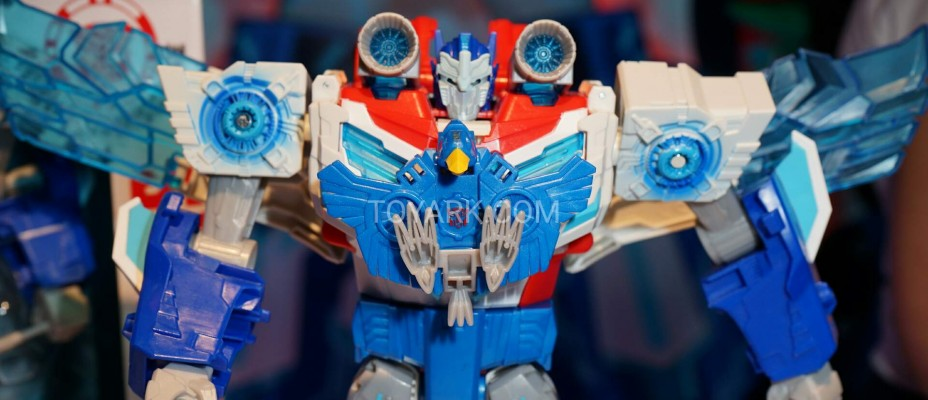 Toy Fair 2016 - Robots in Disguise Images