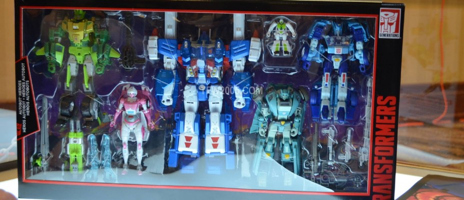 Botcon 2016 Platinum and SDCC Exclusives Display Images