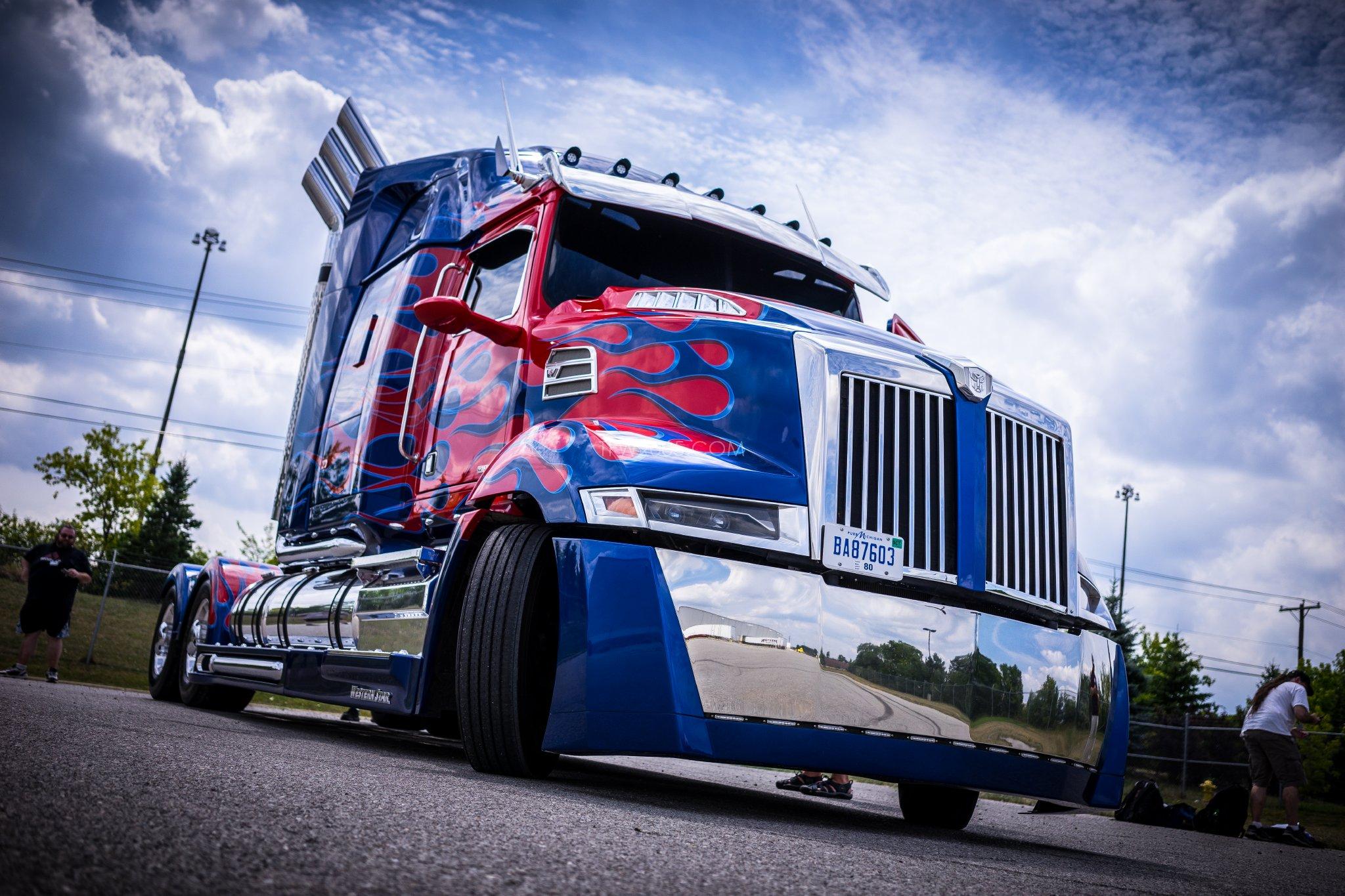 Transformers 5 Set Visit 013