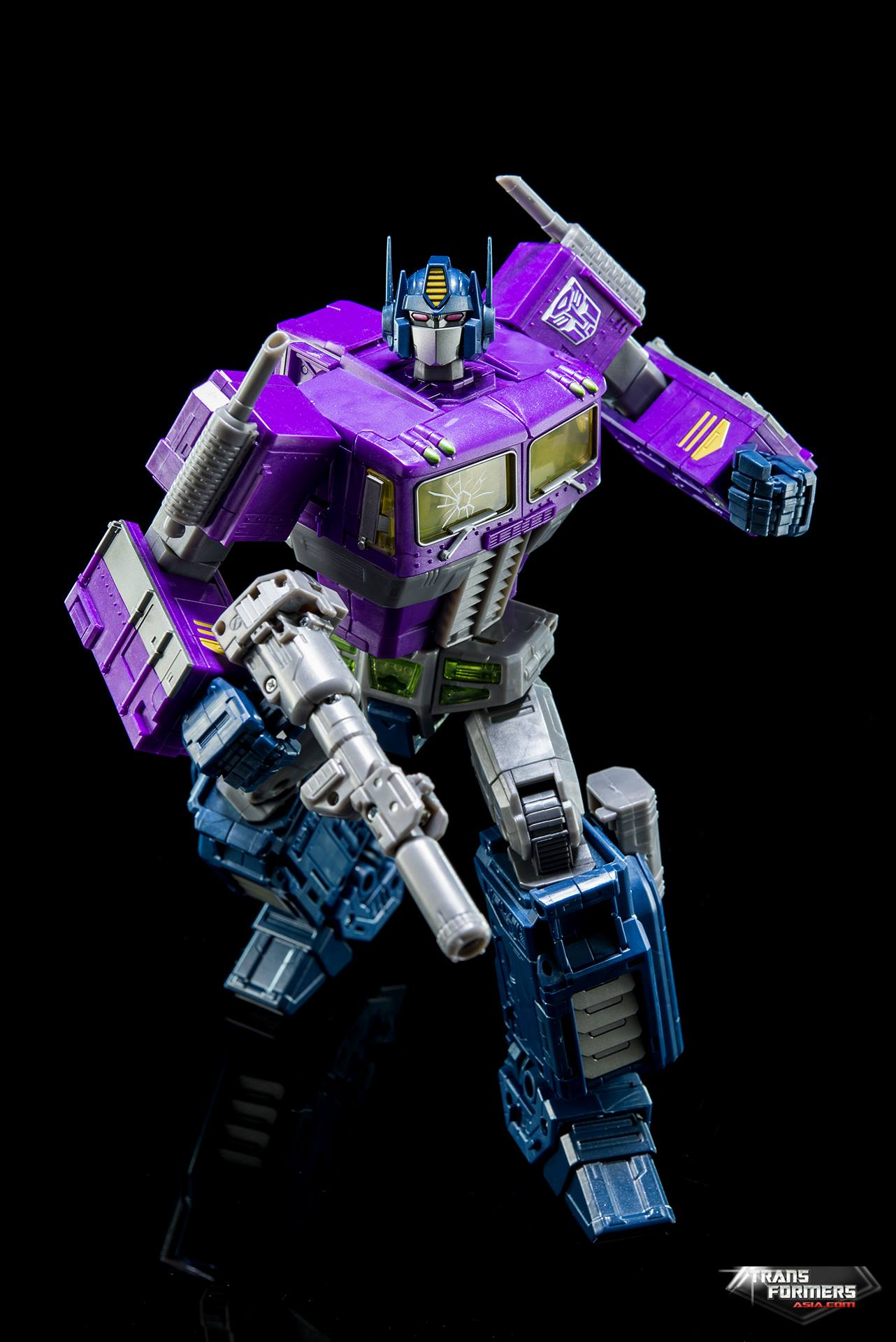 Official Images Of Masterpiece Shattered Glass Optimus ...