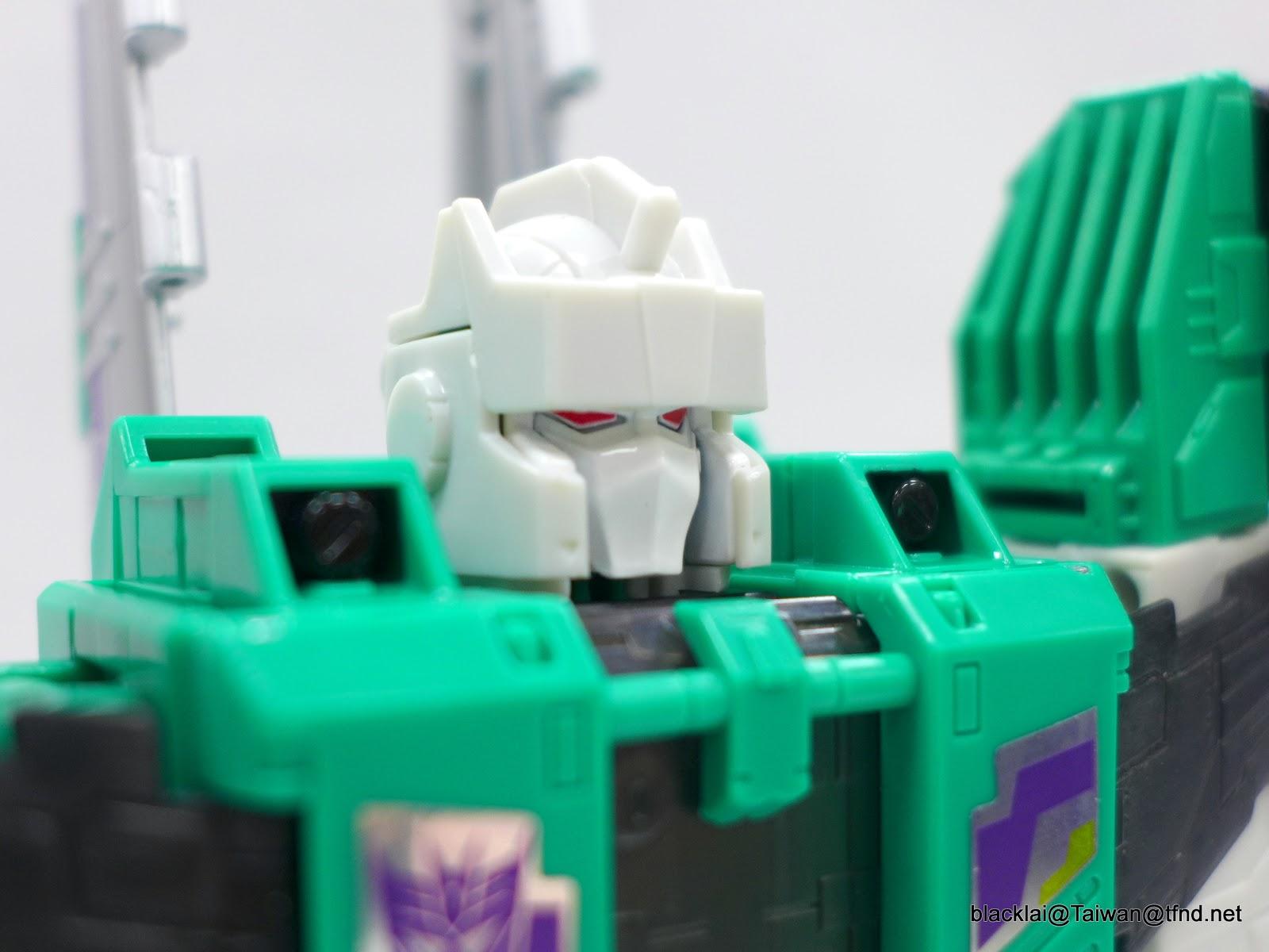 Jouets Transformers Generations: Nouveautés Hasbro - Page 40 P1500945