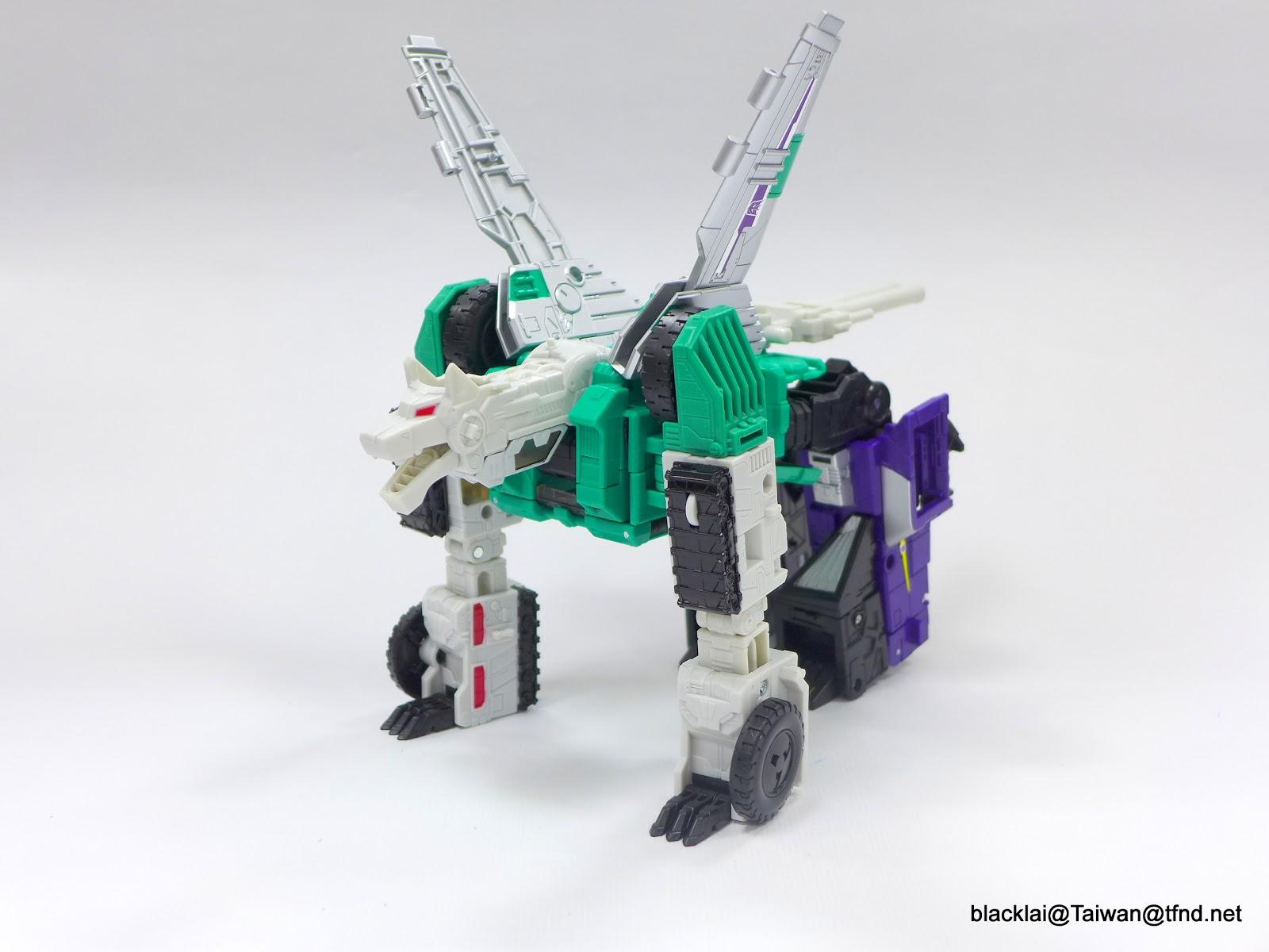 Jouets Transformers Generations: Nouveautés Hasbro - Page 40 P1510009