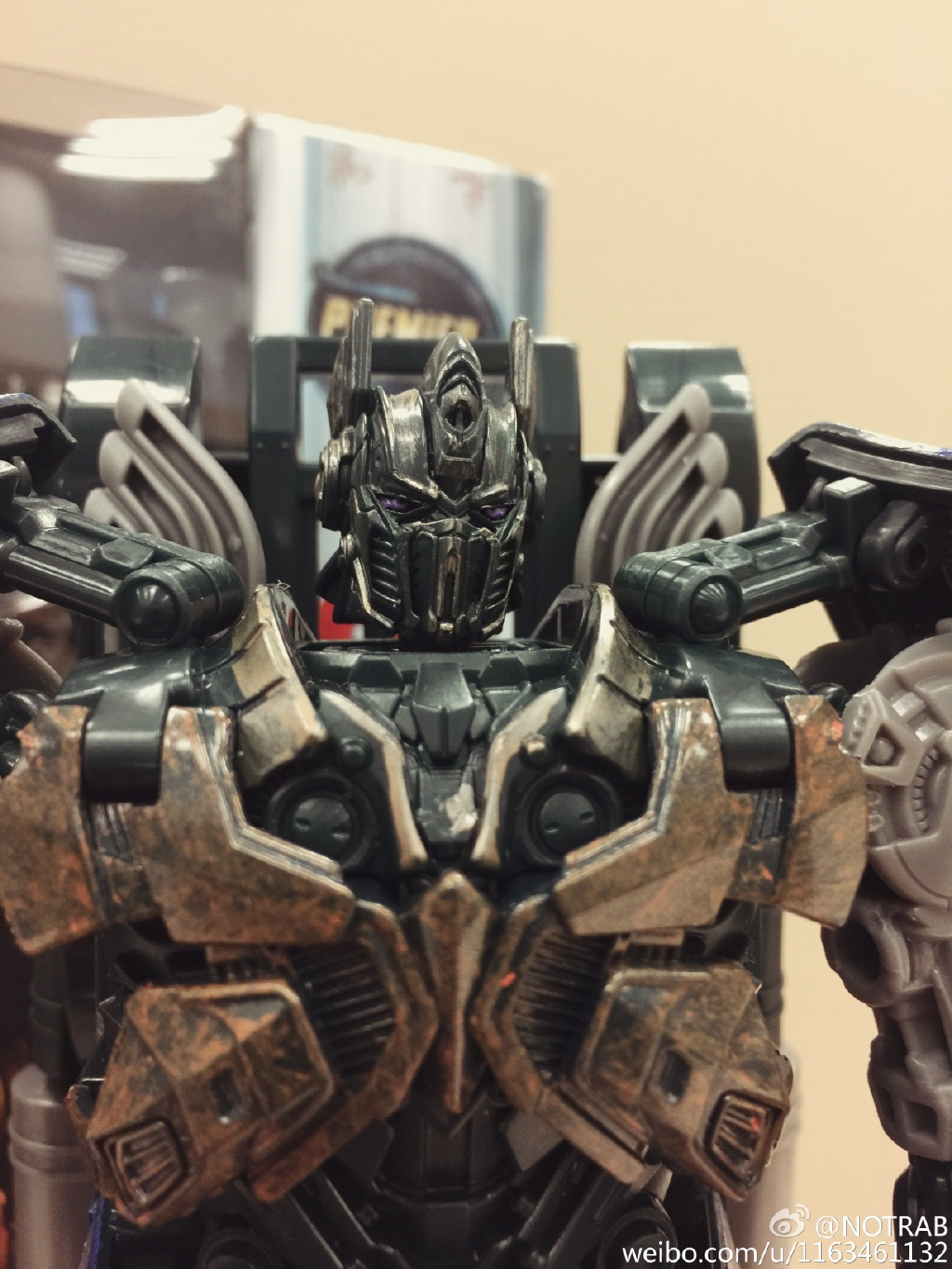 in-hand images of transformers: the last knight shadow spark optimus
