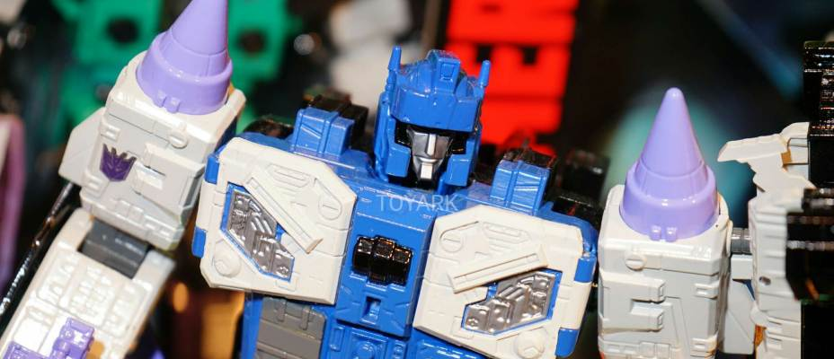 Toy Fair 2017 Titans Return / Generations showroom images