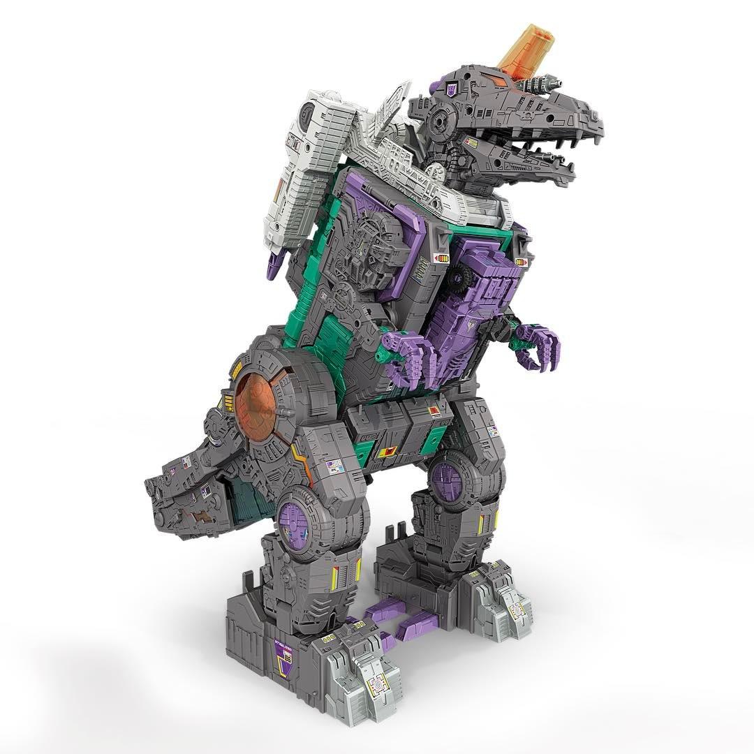 Amazon.com: Transformers Platinum Edition Trypticon Figure: Toys ...