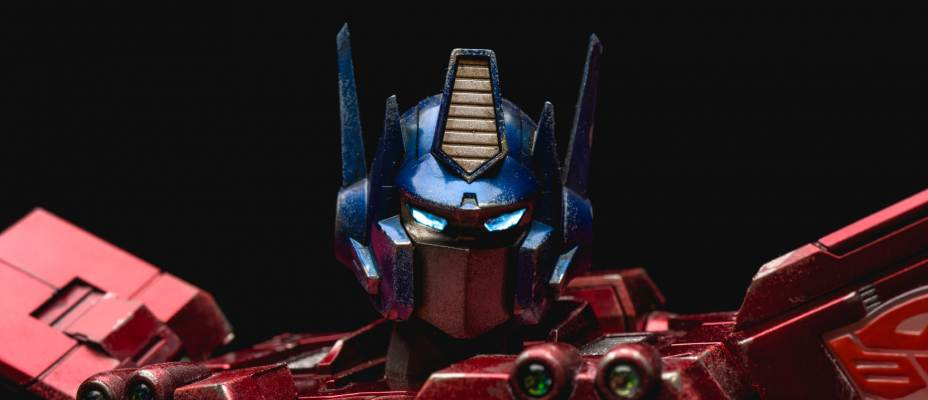 3A Transformers G1 Optimus Prime In-Hand Photo Review