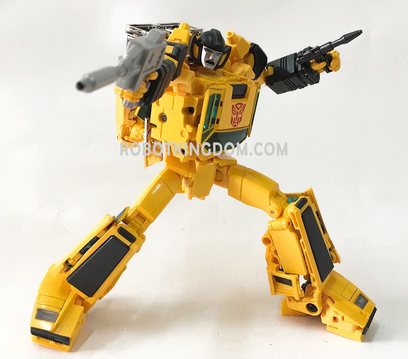 Takara Masterpiece Mp 39 Sunstreaker Packaging Collectible Coin And In Hand Images
