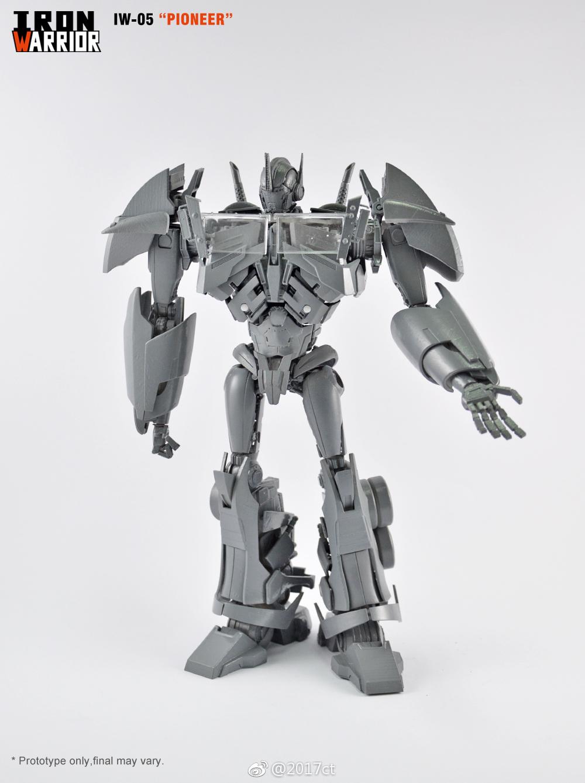 iron warrior iw-05 pioneer (transformers prime optimus prime) new