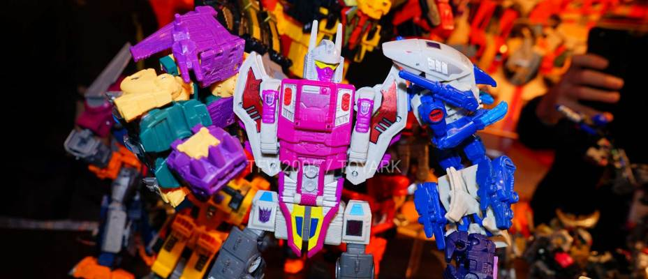 Toy Fair 2018 - Generations / Power Of The Primes Images