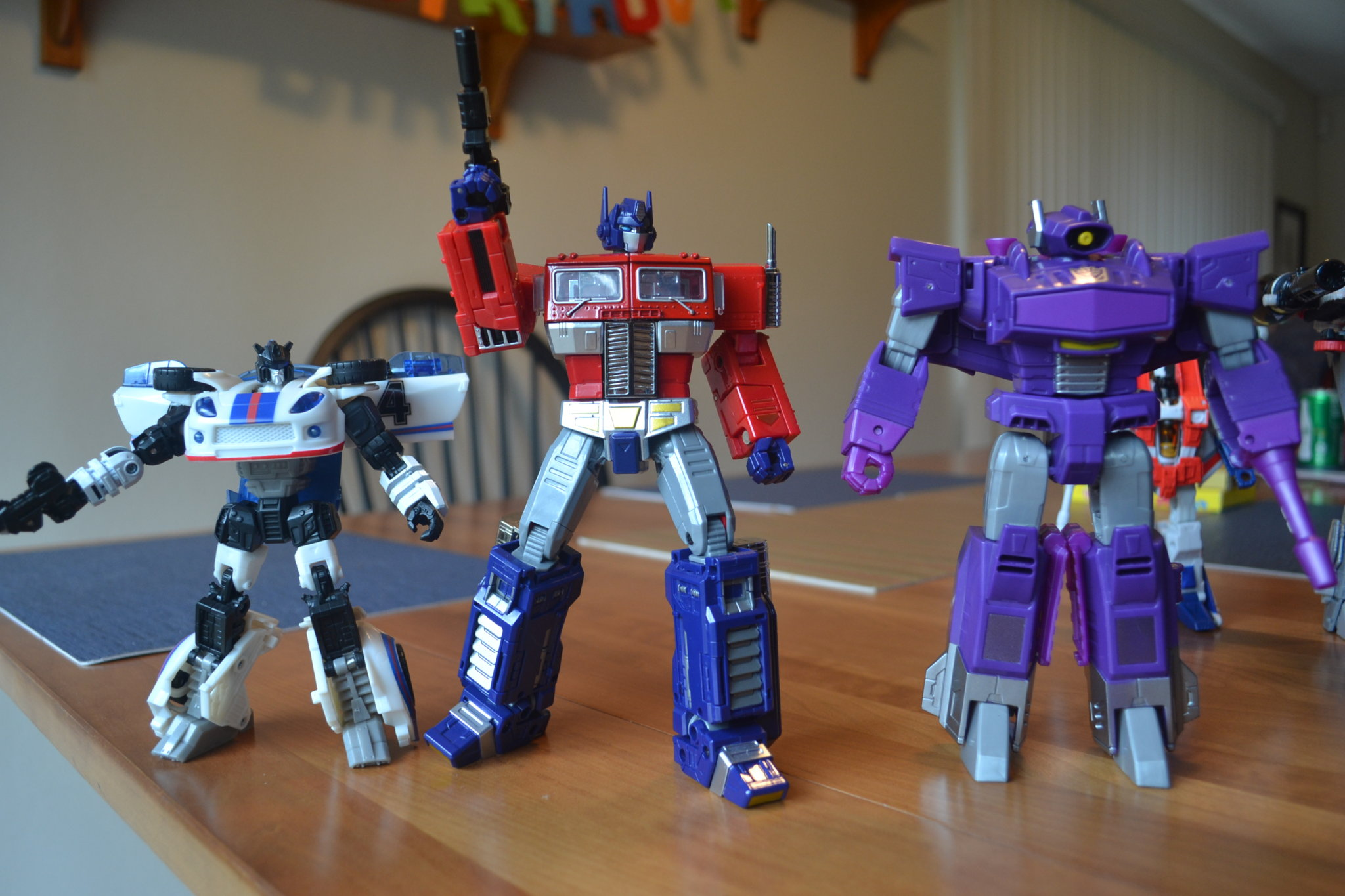 Cyber Batallion Shockwave And Sideswipe Found At Us Retail