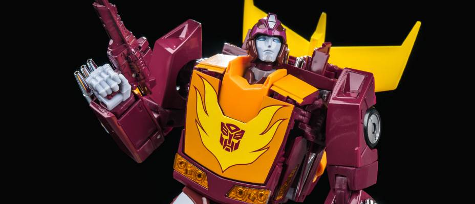 MP40 Masterpiece Targetmaster Hot Rod Gallery