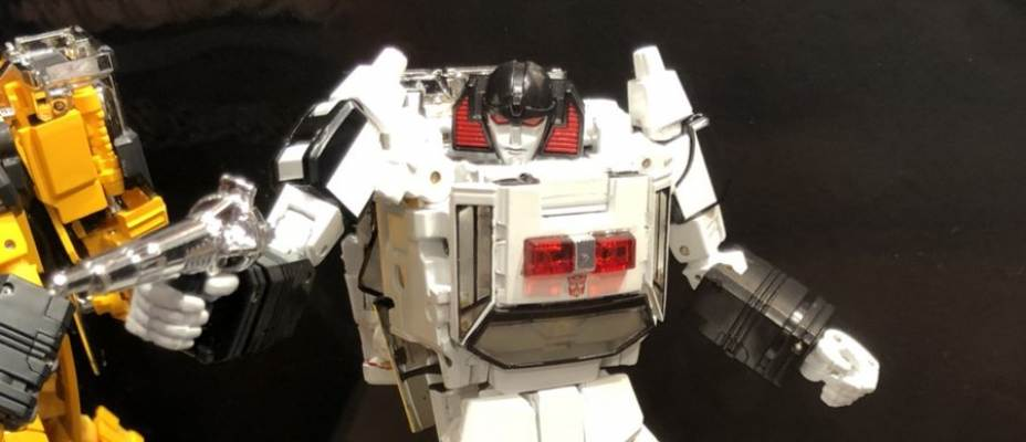 Takara Tomy Masterpiece MP-42 Cordon (Masterpiece Sunstreaker Redeco) Images