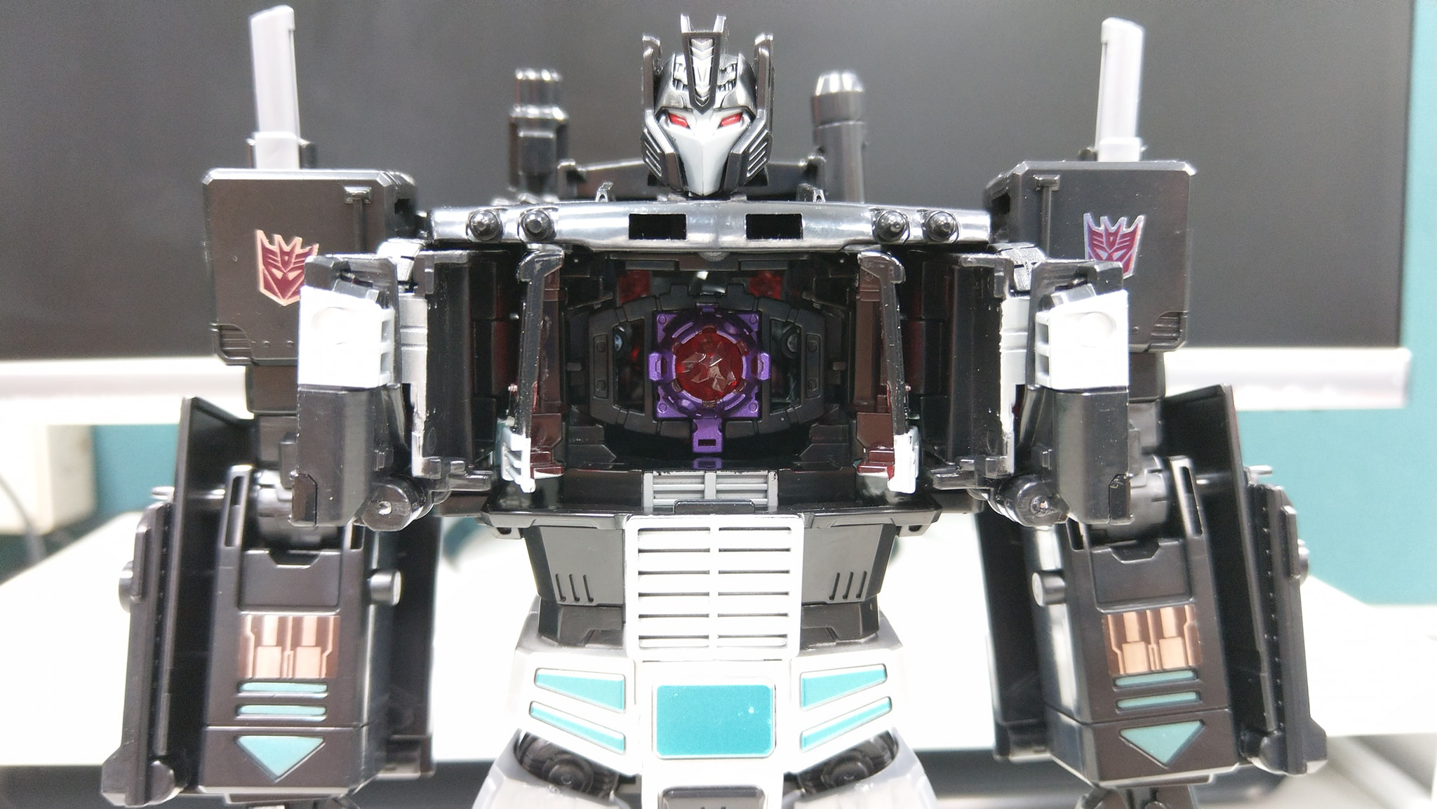 transformers power of the primes nemesis prime in hand images