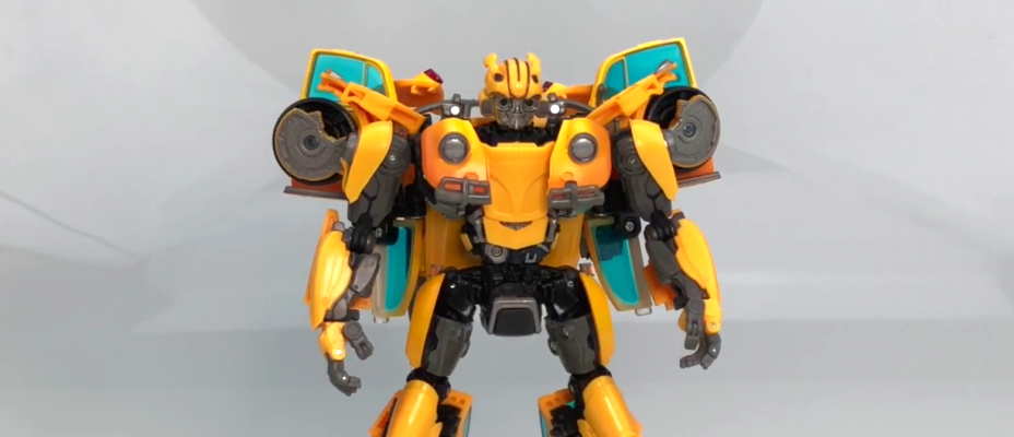 First Look At Masterpiece Movie MPM-07 Movie Bumblebee (Beetle) Video Review And Images