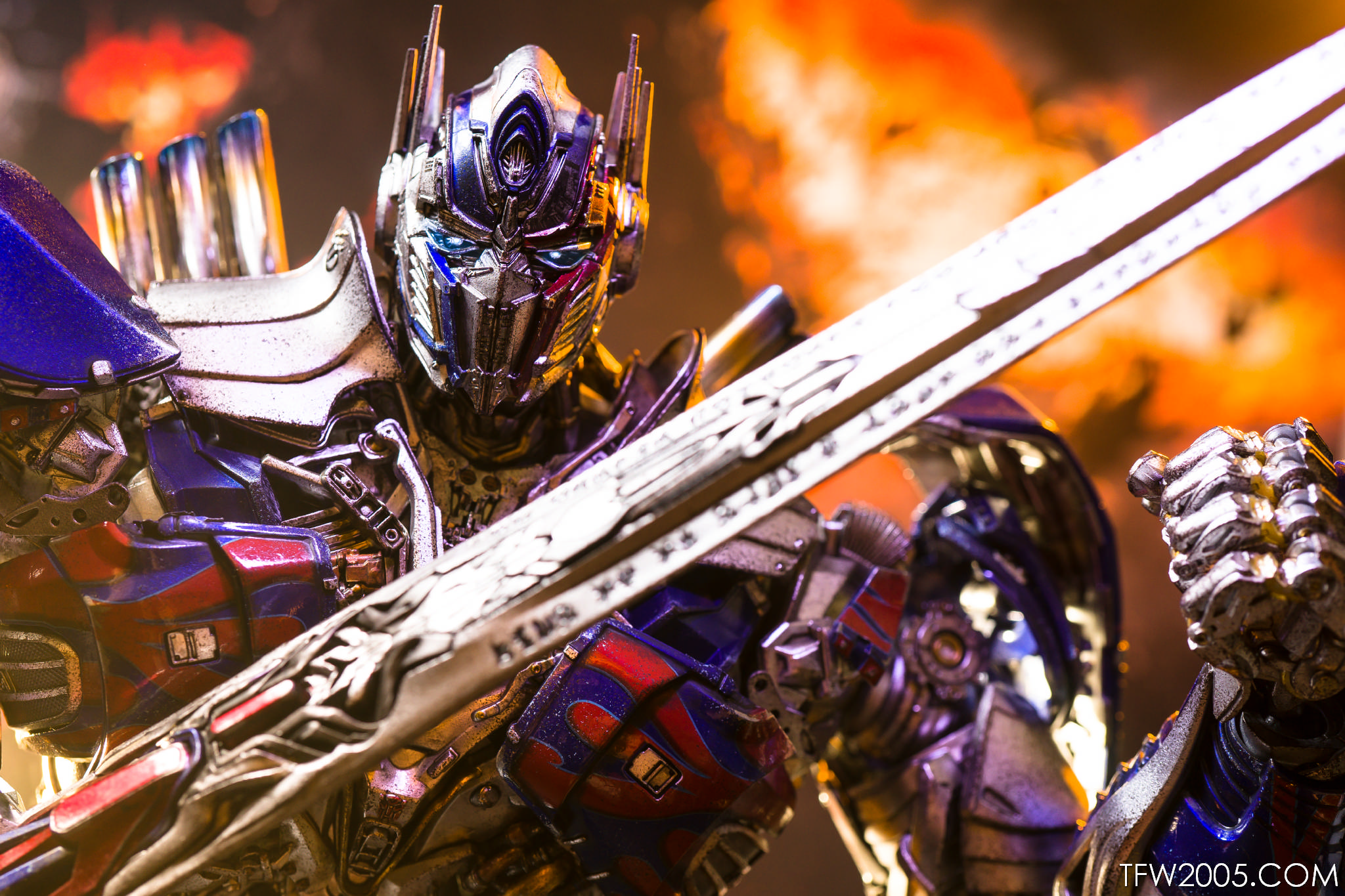 3A Transformers The Last Knight Optimus Prime Photo Review ...