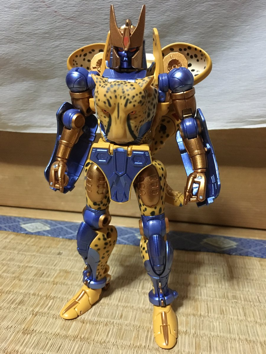 [Masterpiece] MP-34 Cheetor et MP-34S Shadow Panther (Beast Wars) - Page 2 MP_Cheetor_Inhand_03