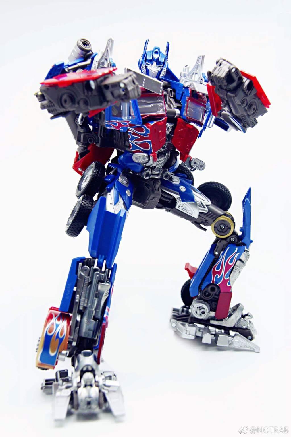 masterpiece movie optimus prime in hand pictures