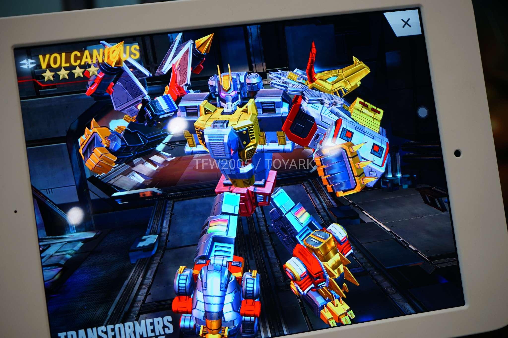 Hascon 2017 Earth Wars Booth Dinobot Combiner