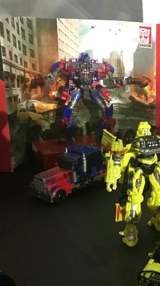 new images of studio series optimus prime ratchet