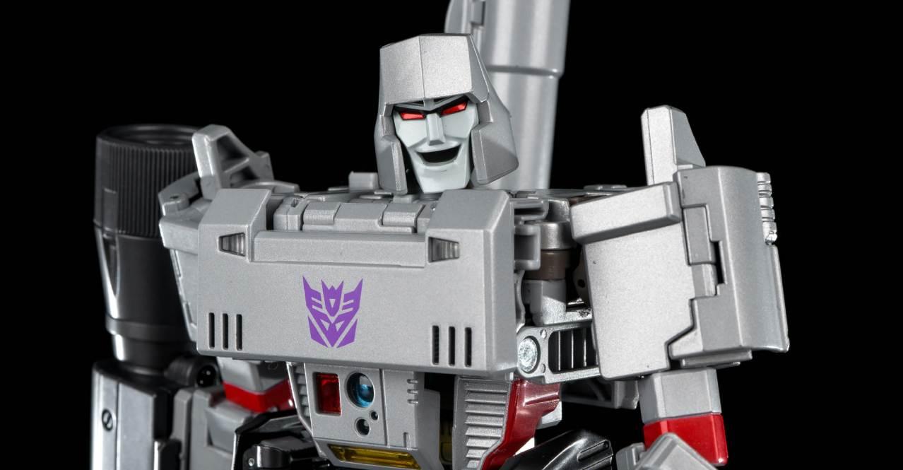 New Transformers Hasbro IDW commander level G Series Beachcomber in stock