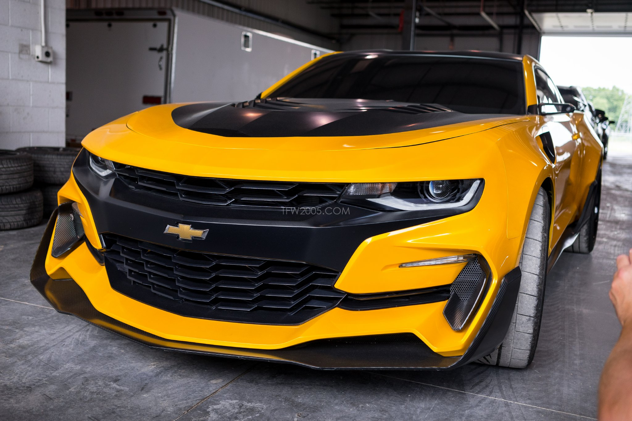 how bumblebee helped chevrolet in philippines transformers news tfw2005. Black Bedroom Furniture Sets. Home Design Ideas