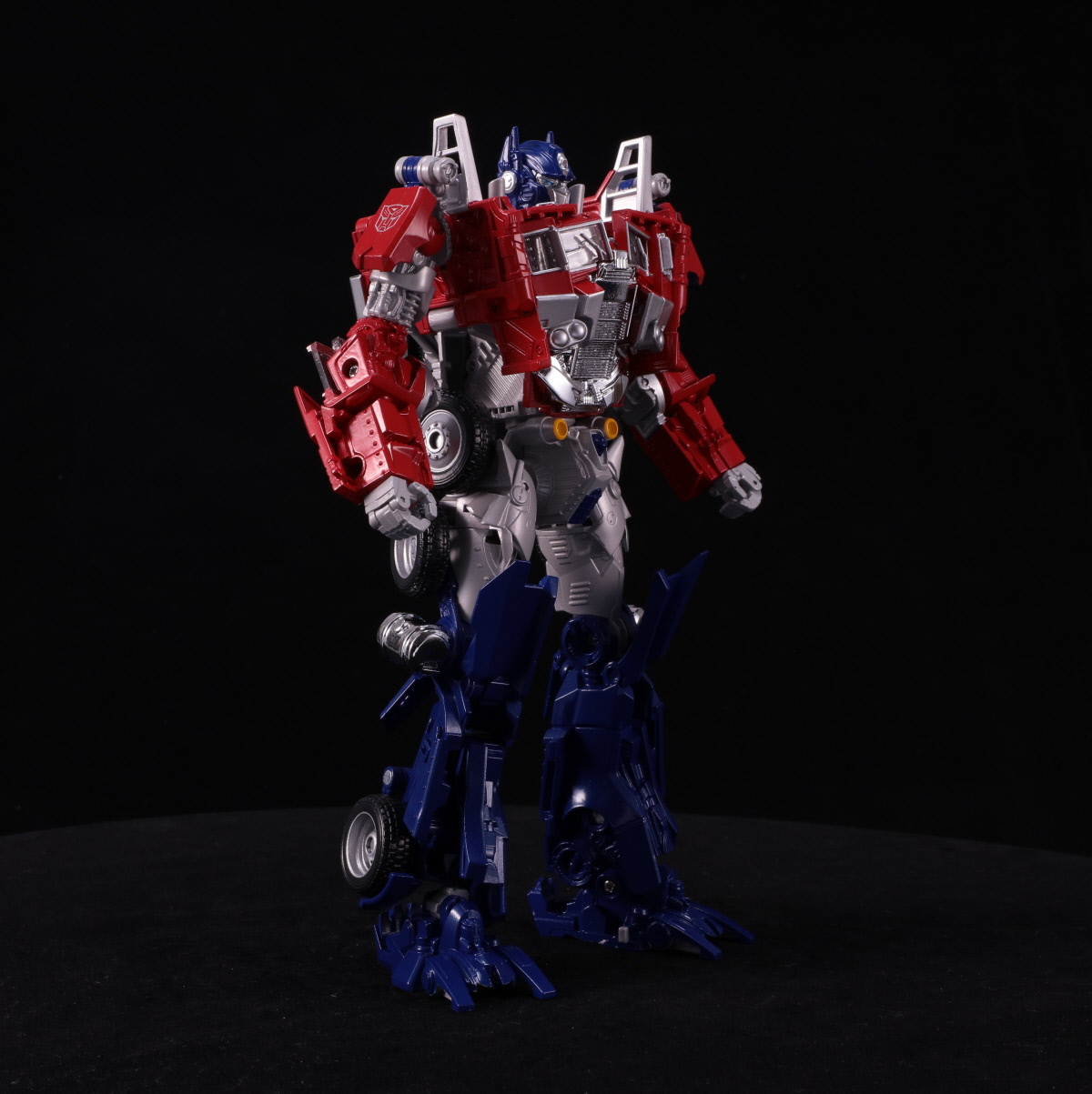 TAKARA TOMY TRANSFORMERS BB-01 LEGENDARY OPTIMUS PRIME ACTION FIGURE