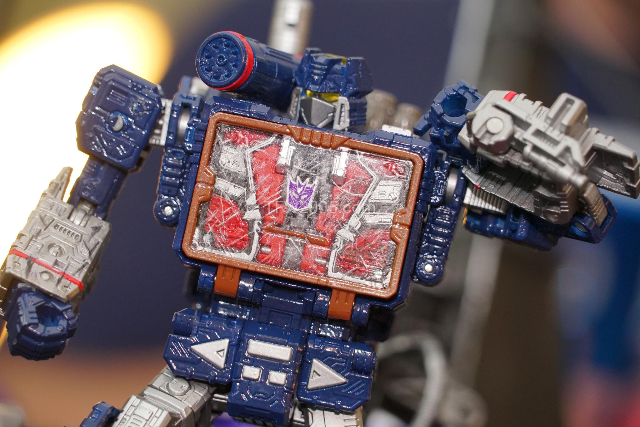 nycc 2018 transformers siege figures high res on