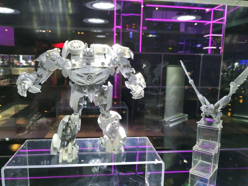 New Age XM1 Mista Masterpiece Scaled Dark Of The Moon ...