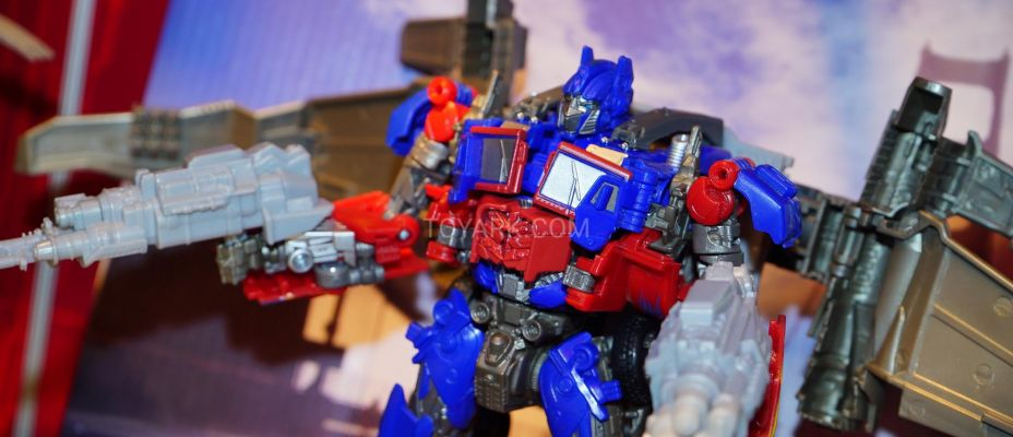 Toy Fair 2019 - Transformers Studio Series Images