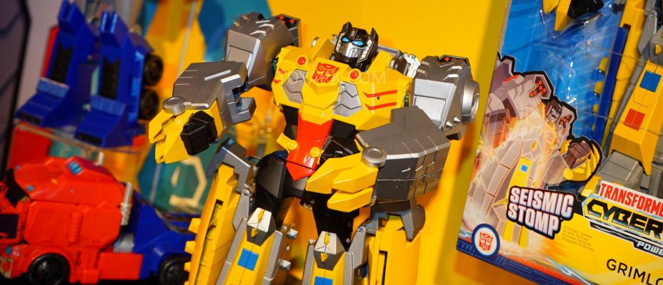 Toy Fair 2019 - Transformers: Cyberverse Images