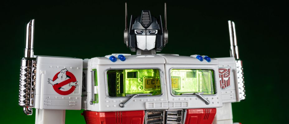 MP-10G Ecto-35 Optimus Prime Transformers x Ghostbusters In-Hand Gallery!