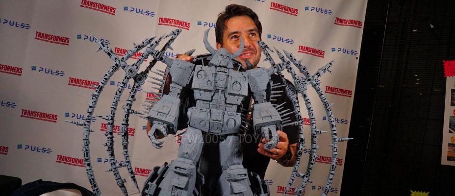 San Diego Comic-Con 2019 War For Cybertron Unicron Gray Prototype On Display