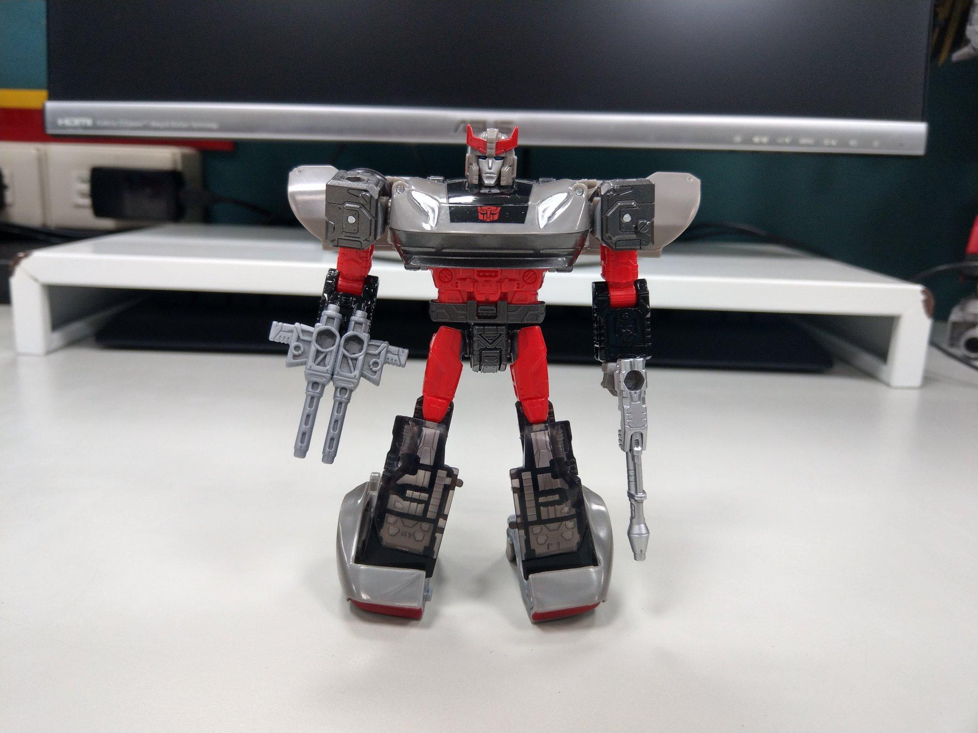 Transformers Siege 35th Anniversary Soundblaster