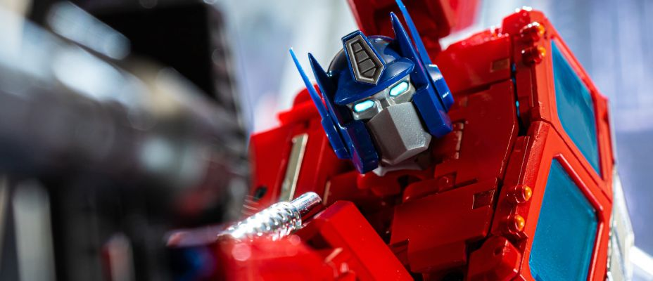 TFW2005's MP-44 Masterpiece Optimus Prime Gallery Live!