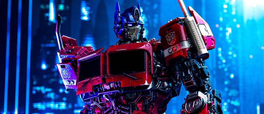 ThreeZero Deluxe Optimus Prime - Bumblebee Movie Version Gallery