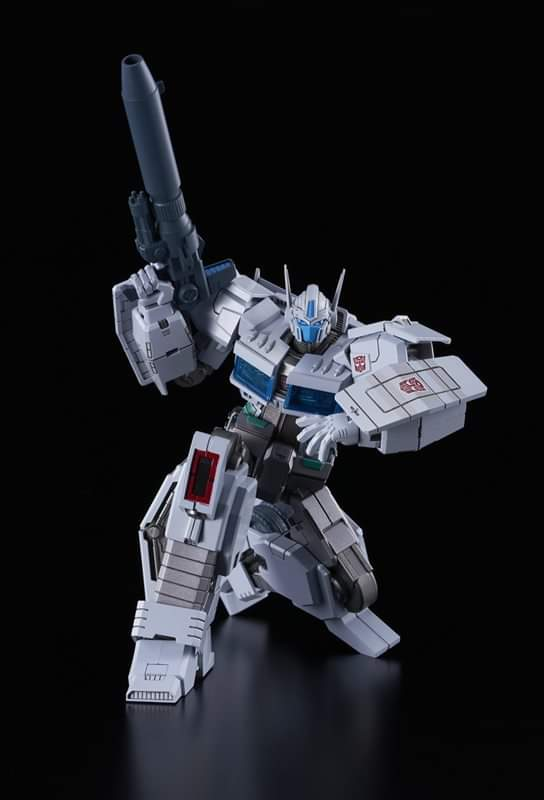 Flame Toys Model Ultra Magnus IDW Ver Transformers